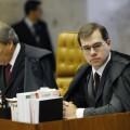 Ministro Dias Toffoli não acha a menor graça no humor brasileiro