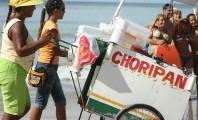 Em um retrato fiel da crise do setor, turistas ignoram o carrinho de choripan