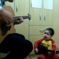 menino que canta beatles youtube