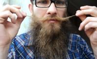 Esta foto de um barbudo hipster genérico é meramente ilustrativa