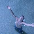 Turista paranaense se emociona com a chuva em Canasvieiras